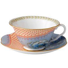Чайная пара ГОЛУБЫЕ ПИОНЫ, коллекция ЦВЕТЫ И БАБОЧКИ, от Wedgwood