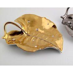 Декоративный предмет в виде листа от Bruno Costenaro