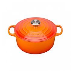 Чугунная кастрюля круглая для запекания (жаровня) с крышкой от Le Creuset, 1.8 л, 18 см, цвет оранжевая лава