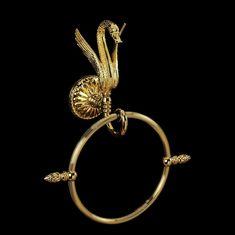 Кольцо настенное круглое золотое с лебедем LUXOR от Migliore